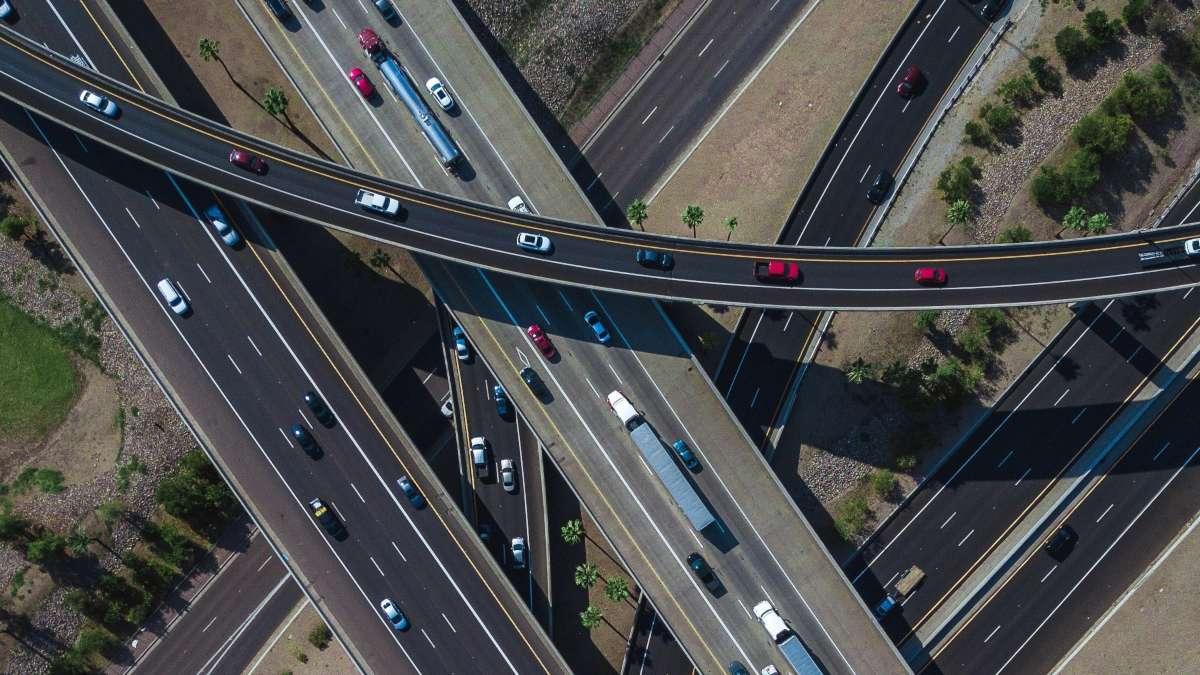 6 ways to achieve fleet route optimization
