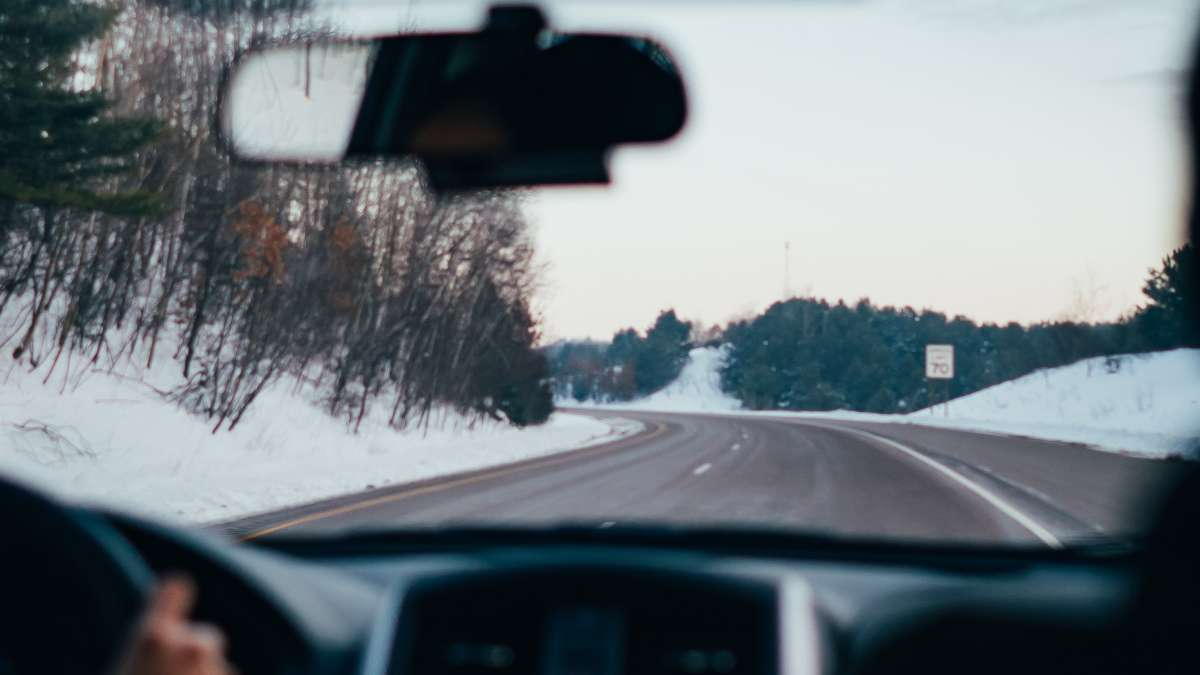 Give your fleet drivers advanced driver training lessons