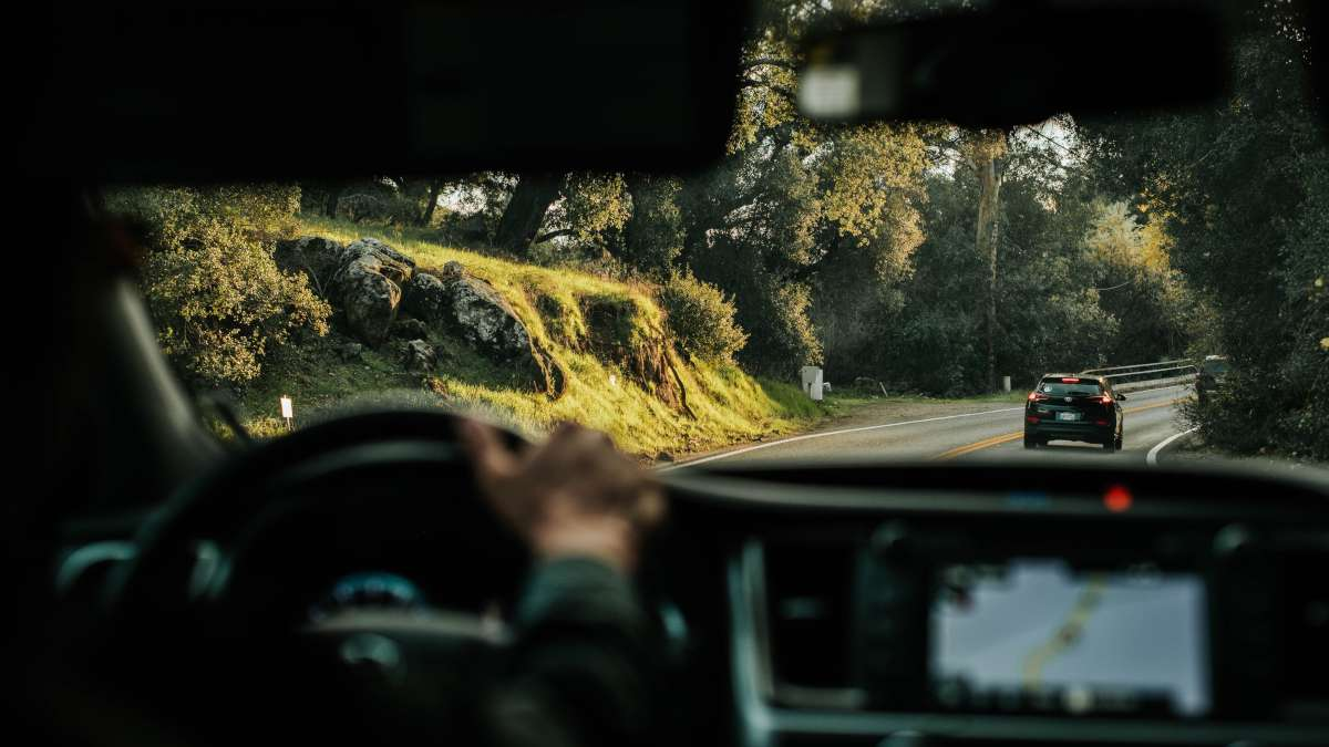 7 defensive driving techniques you should know about